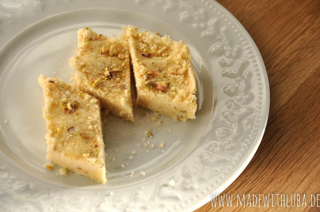 Tellerchen mit Orangen Pistazien Shortbread Keksen