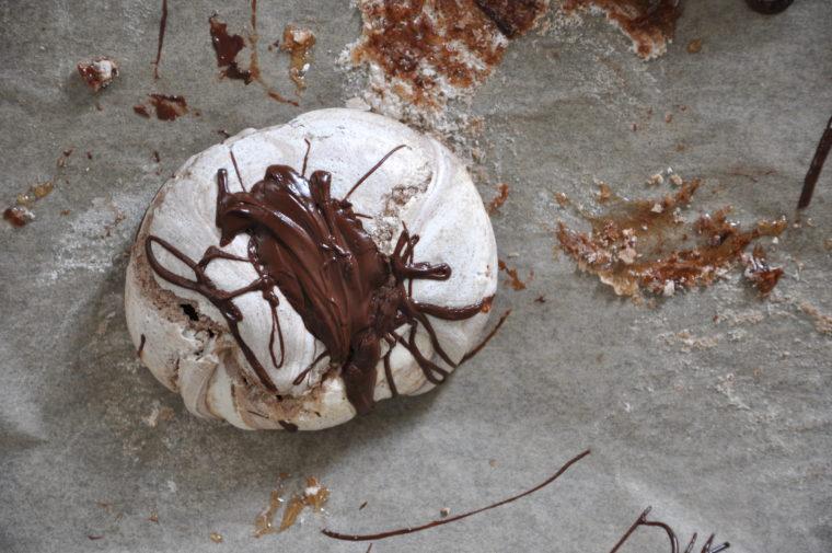 Baisers mit Schokolade