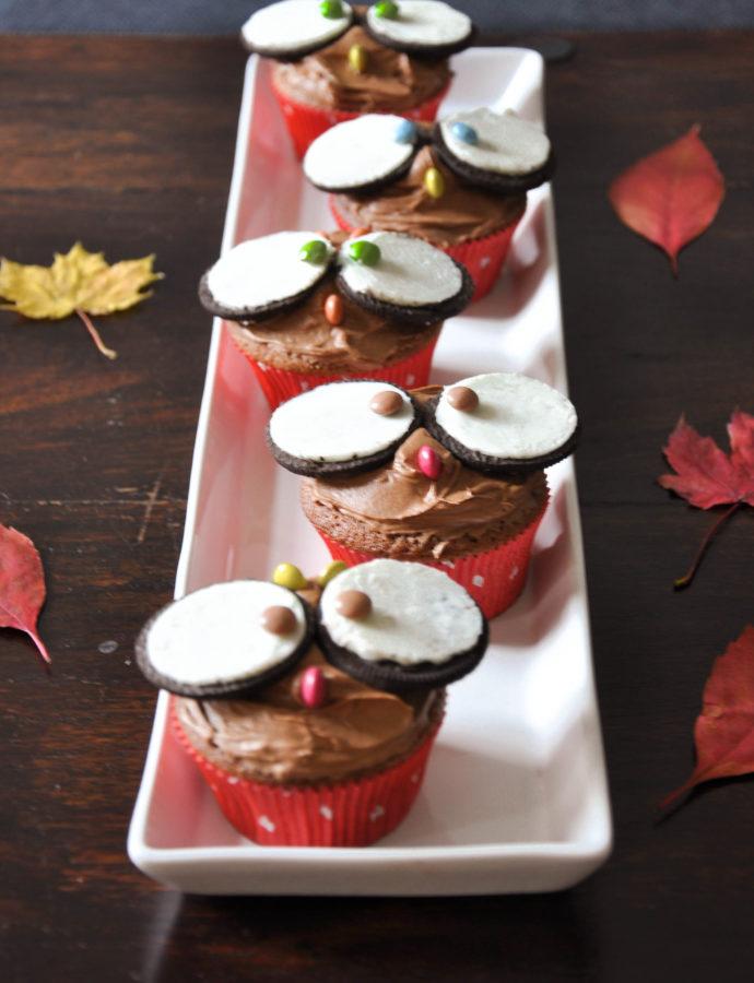Eulen Cupcakes mit Oreo Keksen