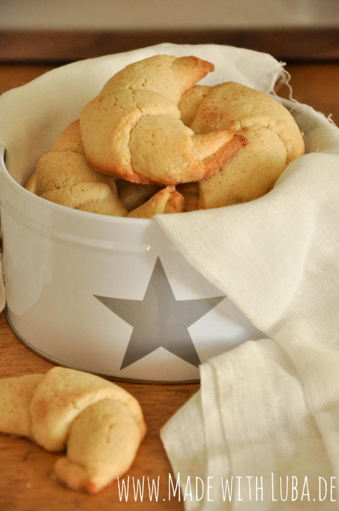 Rugelach Kekse in einer Keksdose