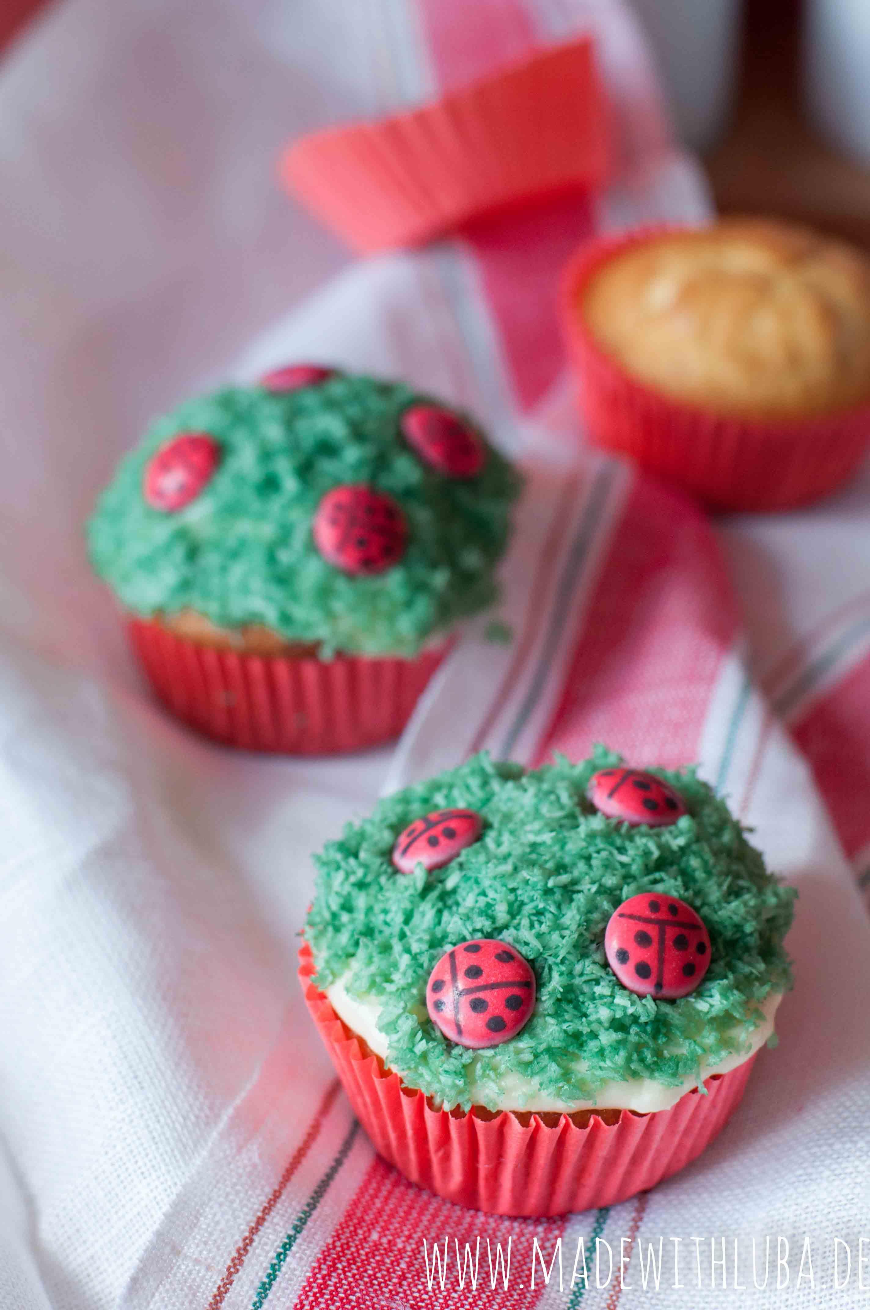 """Marienkäfer Cupcakes mit Smarties – Mein Gastbeitrag bei """"Hallo liebe Wolke"""""""