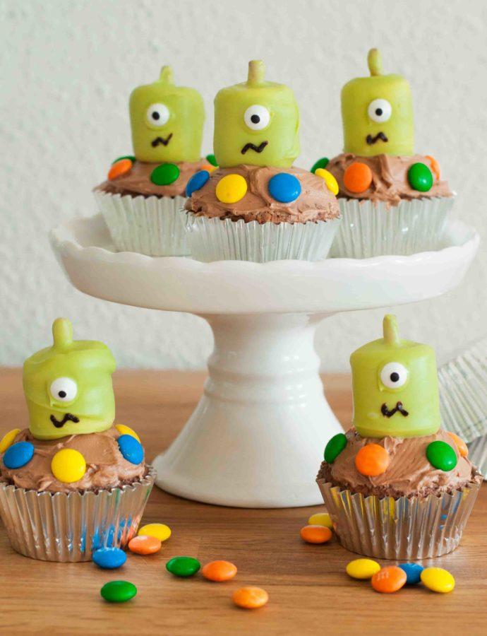 Niedliche Alien-Cupcakes – Für einen Kindergeburtstag wie vom anderen Stern!