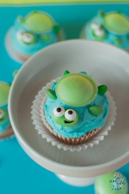Schildkröten Cupcake auf Etagere