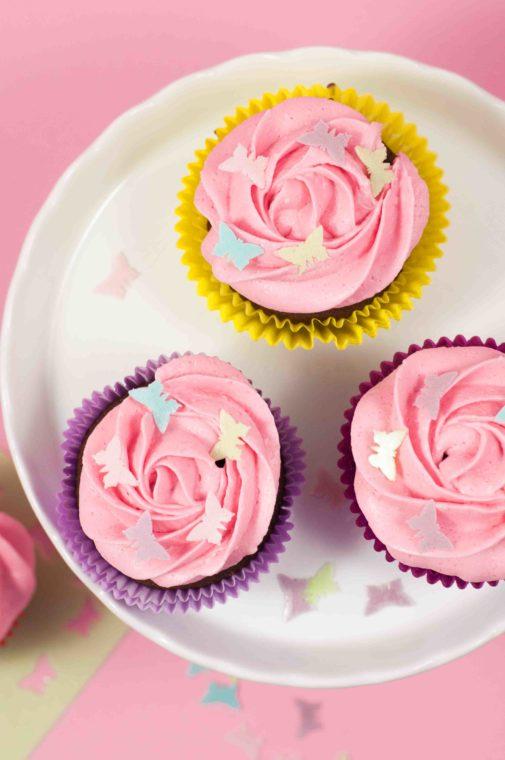 Lustige Schmetterlings- Cupcakes – mit selbstgemachtem Konfetti